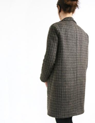 patron de couture Manteau France Duval Stalla réalisé dans un lainage épais Anna Ka Bazaar, vue de 3/4 dos