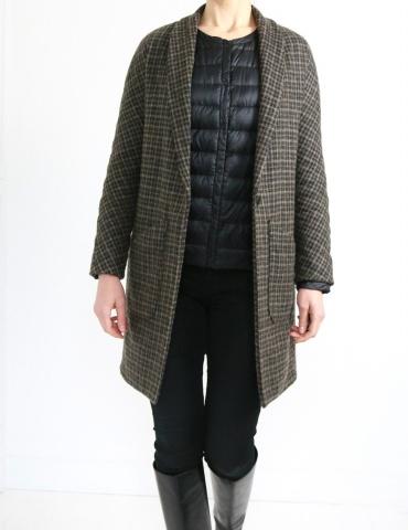 patron de couture Manteau France Duval Stalla réalisé dans un lainage épais Anna Ka Bazaar, vue de face