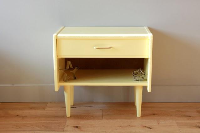 petit meuble vintage atelier scammit. Black Bedroom Furniture Sets. Home Design Ideas